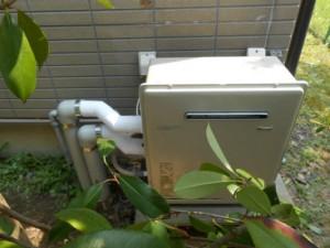 2-交換した給湯機正面