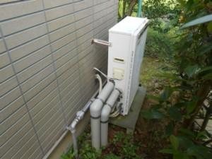 3-古い給湯機側面