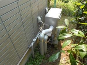 4-交換した給湯機側面