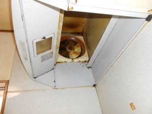 施工前のキッチンフード内部